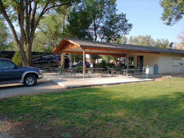 Sundance RV Park Outdoor Covered Picnic Area